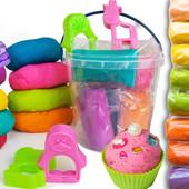 1кг СуперПластилина !!!аналога Play Doh+2 форм. зверюшек в ведёрке 8 ярких цветов (2 с блёстками)