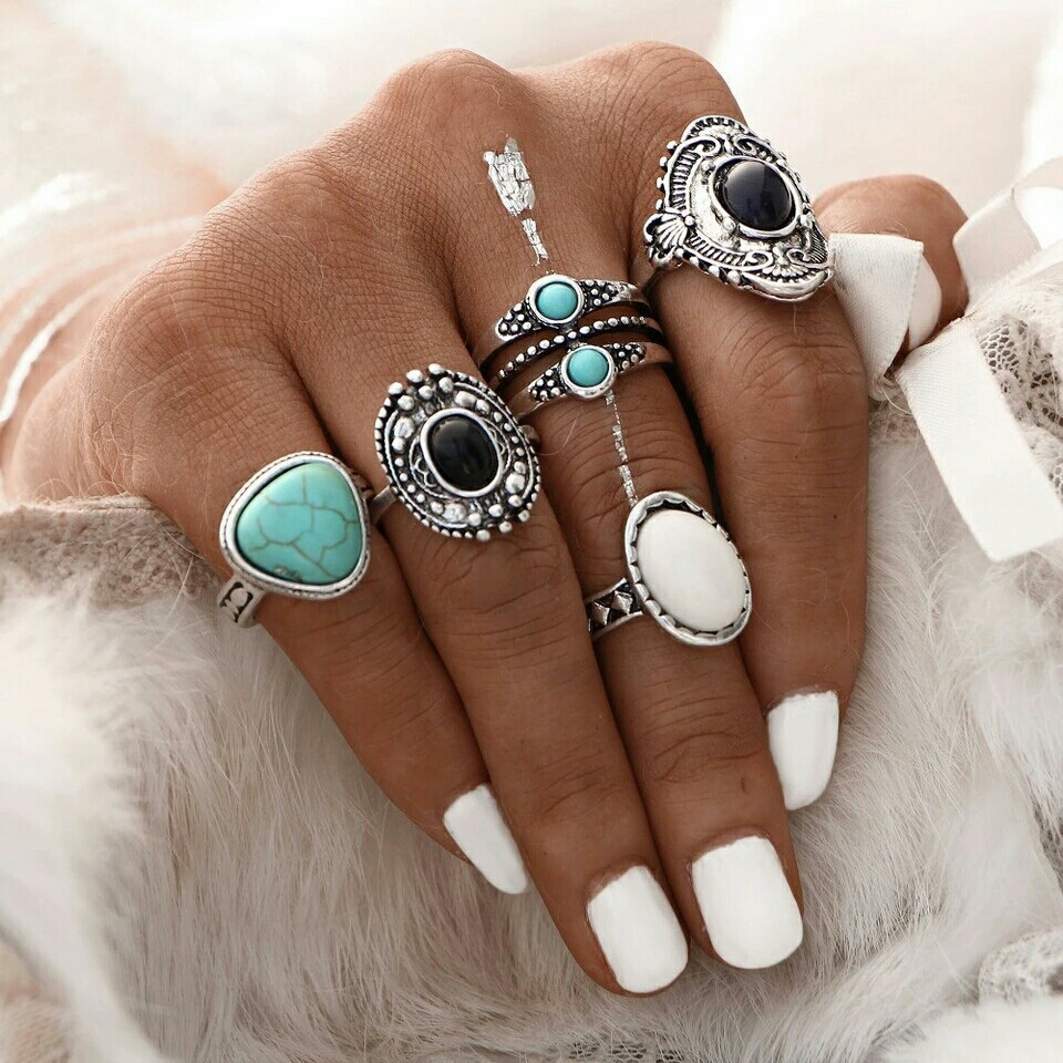 Vintage style fashion rings