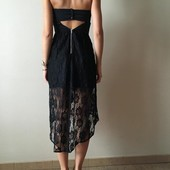 Очень красивое платье с асcиметричной кружевной юбкой и открытой спиной