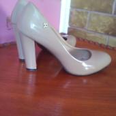 Красивенные туфли 37 размер