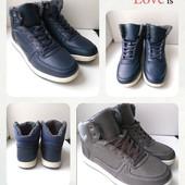 Зимние мужские ботинки, удобные,практичные,на ноге смотрятся супер, размер 40,41,42,,44,45