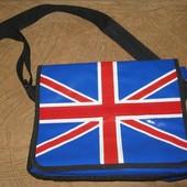 Яркая лакированная сумка