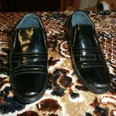 Классические черные туфли на мальчика 25 размер