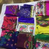 Красивые платочки для мам и бабушек на выбор