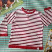 Трикотажная футболочка Zara, на рост 98, с двумя кнопками на спине. Отличное качество.