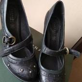 Шикарные туфли,Кожа,удобный каблук, Италия,40размер