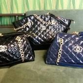 Новая качественная и вместительная лаковая сумка
