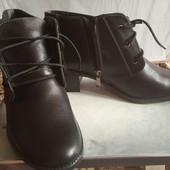 Туфлі жіночі, шкіряні. 40 розмір, гарна повнота.