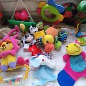 Большой лот игрушек для малыша