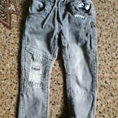 Классные джинсы на маленького модника!