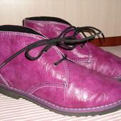 """Весенние ботинки """"inblu"""" из натуральной кожи,стелька-25,5см. Одеты 1 раз"""