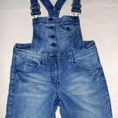 Супер стильный и крутой джинсовый комбинезон/ромпер! 8-10 лет! отличное состояние!