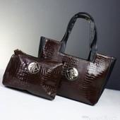 Большая лаковая сумка