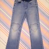 Класнючі джинсики для дітвори на 3-6 років. В лоті 1 шт.