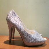 Туфли  с открытым носком Emilia  р.37.Оригинал.Не ношенные.Читаем...