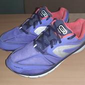 Фиолетовые кроссовки от Oxylane, оригинал Вьетнам, разм. 36 (22,5 см по бирке). Сост. очень хорошее!
