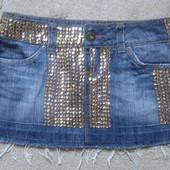 Люксовский сток! Фирменная джинсовая юбка с пайетками р. 8 (36)