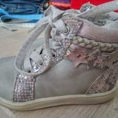 Демисезонные ботиночки девочке-22размер
