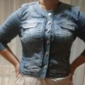 Джинсова курточка  на вибір 14розмір(48наш)