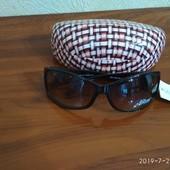 Солнцезащитные очки +футляр