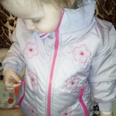 новая!!демисезонная,очень красивая,легкая куртка рост 100... читайте замеры!! может и больше