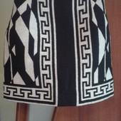 Фирменная красивая юбка в состоянии новой вещи р.10-12 (S).