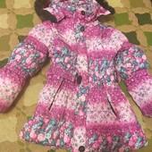 Курточка на девочку 5-7 лет ,зима.