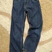 Стильные узкие джинсы Matalan на худенького мальчика 9 лет в идеале