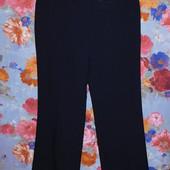Классные брюки со стрелочкой р-р 48