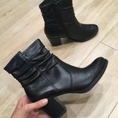 Ботинки Tamaris!!! 39-й розмір, 25 , 5 сантиметрів устілка. Повністю з натуральної шкіри.
