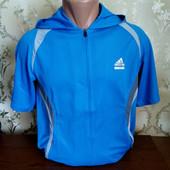 Мужская футболка с капюшоном от бренда Adidas. Качество, фирма!! Размер xl.