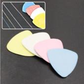 Мел портновский треугольный/швейный/.легко удаляются обычными методами.