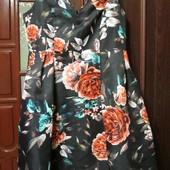 Новое,очень красивое эксклюзивное платье из дорогого плотного котона на подкладке,есть замеры