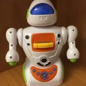 Не пропустите, порадуйте малышей!Робот- сказочник, 16 песен, 17 сказок, размер 23*18, 2 сезон