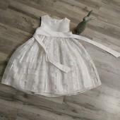 Платье на девочку4-6 лет