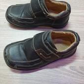 Ботиночки на мальчика 25р стелька 26см