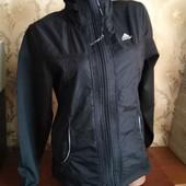 Фирменная женская куртка ветровка Аdidas. размер 2xl