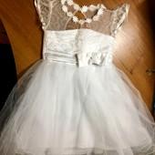 Платье нарядное для девочки на 2-3 года