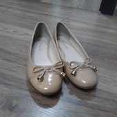 Продам фирменные балетки бежевого цвета ТМ Т.Taccardi