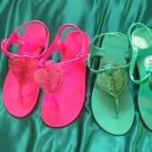 Силиконовые милые Зеленые сандалики 33р