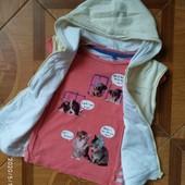Фирменные футболка и жилетка для девочки 6-7 лет в отличном состоянии одним лотом.