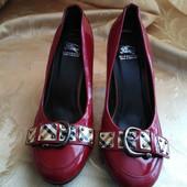 Женские туфли Burberry, производитель Aнглия, размер 37 - 24 см.