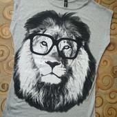 Новая стильная принтованная футболка, S-M, нюанс
