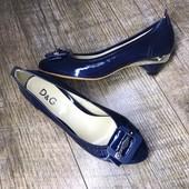 Натуральная кожа. Женские туфли на низком ходу D&G, производитель Италия. Размер на выбор.