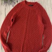 Женский свитер. Размер m. В хорошем состоянии.