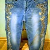 Новые джинсовые нарядные стрейчевые капри с высокой талией р. 28, поб 43 см, пот 36 см