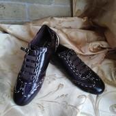 Женские кроссовки из натуральной кожи D&G. Размер 38 - 24 см.