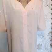 Шикарная нарядная дорогая блуза на красивые формы.Состояние новой!