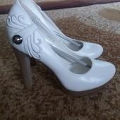 Белые туфли 36р