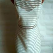 Коротке біле плаття
